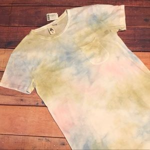 Urban Outfitters Feathers T-Shirt XS Tie Dye